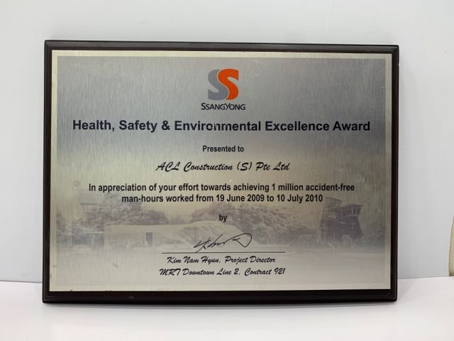 2010 Healty Safety Enviroment Excellent Award Acl Construction